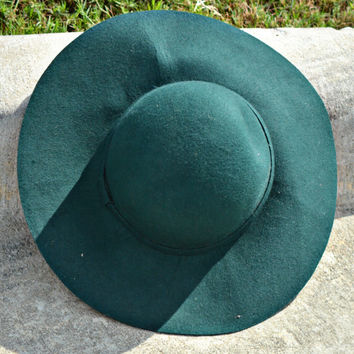 Simply Chic Wool Hat in Emerald