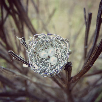 """Dainty Hand Woven Silver Wire Bird's Nest With Seed Pearl """"Eggs"""" Woodland Ring - Size 6.5"""