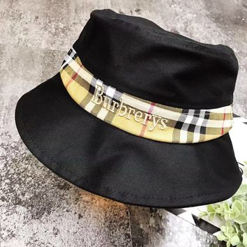 Burberry 2019 new classic plaid stitching gold and silver thread embroidery fisherman hat Black