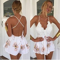 Backless Back Cross Lace Flower Print V-neck Short Jumosuit