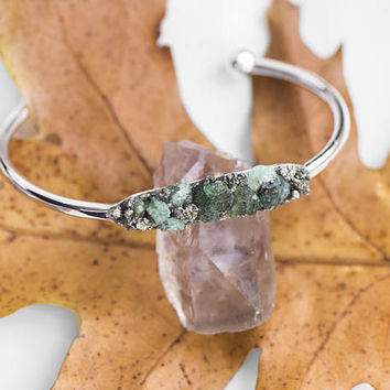 RAW EMERALD BANGLE - Bracelet - Raw Gemstone Bracelet, May Birthstone Jewellery, Boho Chic Jewelry, Bridesmaid Gift, Gifts for Her, Bridal
