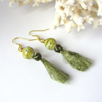 Tassel Earrings of Green Chinese Knotting Cord Button Knot Paper Bead Boho Fashion Trend Dangles Mom Gift for Her Summer Jewelry Handmade