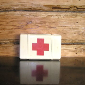 Medical box red cross medicine doctor nurse first aid soviet ussr