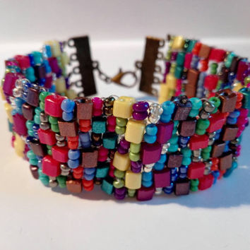 Colorful Beaded bracelet with brick beads and seed beads, interesting color combinations, bohemian style, stylish bracelet, colorful design