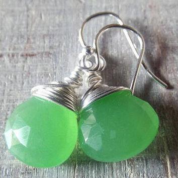 Green Chalcedony Earrings, Green Dangle Earrings, Easter Gift for Her, Gift for Mom, Chalcedony Jewelry, Drop Earrings, Wire Wrap Earrings