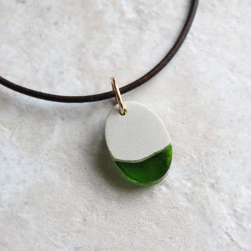 Oval necklace - green and white