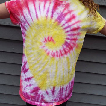 Hippie Tie Dye Shirt, Ladies Large Tie Dye Tee, Womens Tie Dye, Ladies Cut TShirt, Hippie Women, Boho Shirt, Ladies Tshirt, Hand-dyed