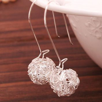 ES001 Hollow Ball Stud Earrings For Women Cute Wire Knit Round Fashion Jewelry Brincos Pendientes Bijoux Wedding Engagement Gift