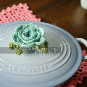 Flower Decorative Crochet Pot Knob Cover with Wool Yarn, Hand dyed Pot Knob Cover, can be used as Le Creuset or Staub accessory