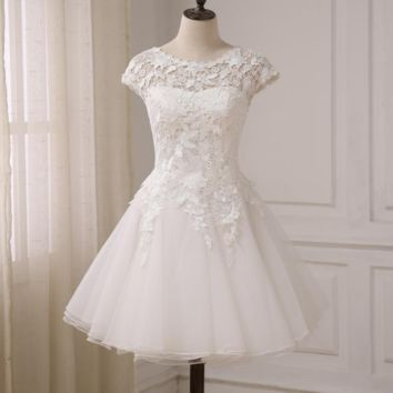 Vintage Lace Wedding Dress Short Sleeves Scoop Neck A-line Short Beach Bridal Gowns