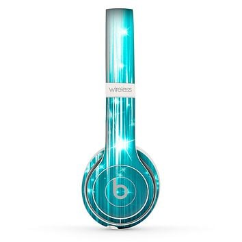 The Bright Blue Glistening Streaks Skin Set for the Beats by Dre Solo 2 Wireless Headphones