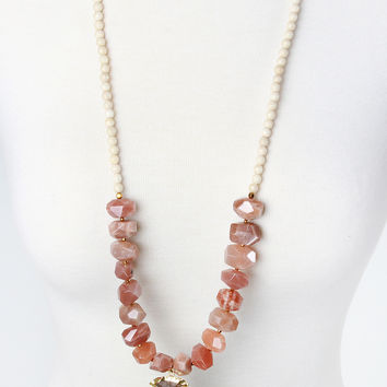 The Natalie Necklace - Peach