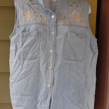 Vintage 80s 90s Chambray Denim Pastel Floral Embroidered Sleeveless Banded Collar Jean Shirt Size Large