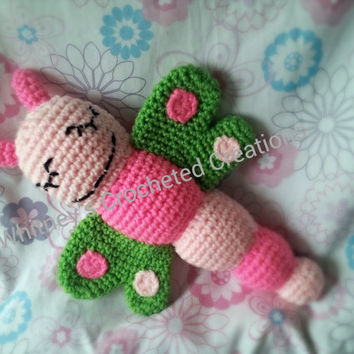 crochet dragonfly plushie, rattle, stuffed animal, butterfly, photo prop, baby toy, baby shower gift, new baby