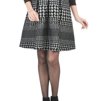 Box pleat houndstooth jacquard skirt