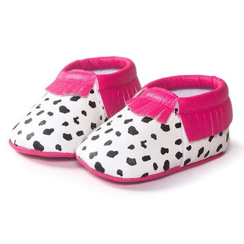 Cute Baby Shoes First Walker Tassel Cow Design Newborn Baby Girls Leather Brand Casual Spring Walker Shoes Non Slip Sneakers