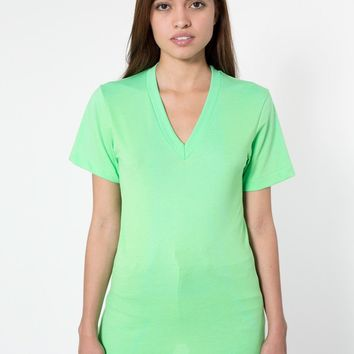 bb456w - Unisex Poly-Cotton Short Sleeve V-Neck