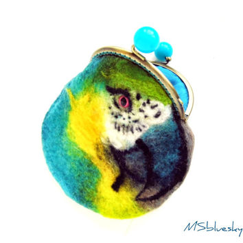 parrot Blue-and-Yellow Macaw Wet Felted coin purse with bag frame metal closure