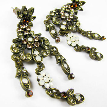 Vintage Chandelier Earrings with Rhinestones, Bollywood / Vintage Boho Earrings - Boucles d'Oreilles.