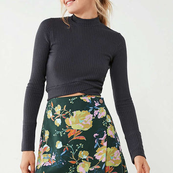 UO Sara Floral Mini Wrap Skirt | Urban Outfitters