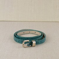 Skinny Belt with Texture in Green