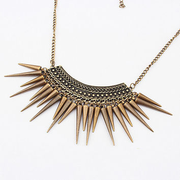 Retro Rivet Fringe Necklace