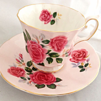 Elizabethan English Fine Bone China Vintage Teacup & Saucer Set - Pink Antique Roses - gold gilded edge - deep pink magenta rose