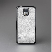 The White Textured Lace Skin-Sert Case for the Samsung Galaxy S5