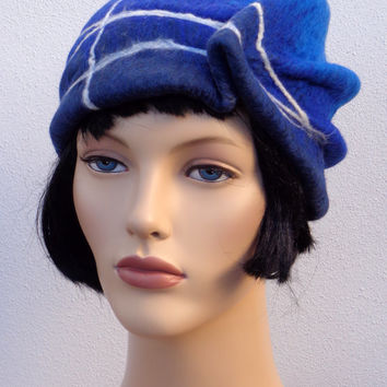 1920 retro beret, blue flapper hat, felt beret,1920s inspired hat, art deco fashion, 20s accessory, winter hat