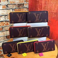 Louis Vuitton LV new printed letter men and women stitching color long zip wallet