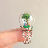 A Family of Four- Terrarium Ring - Polymer Clay - OOAK - Diorama Jewerly - Pyrex Dome -Pyrex Globe - Miniature People - Family- Family Tree