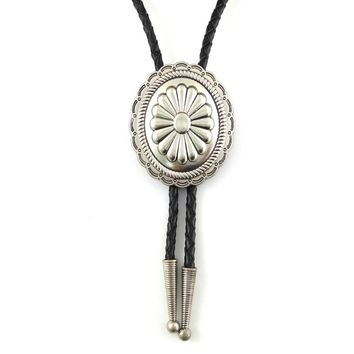 Cowboy male accessories PU leather bolo tie Metal buckle djustable with floral designs Fashion jewelry necklace
