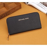 MICHAEL KORS Women Leather Zipper Wallet Purse