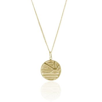 La Luna Rose x Gold Fish Kiss Sunset Pendant Necklace in Gold