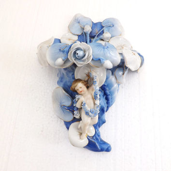 Antique Dresden Cherub Porcelain Wall Pocket Planter / German Porcelain Cornucopia / 1900 Art Nouveau Wall Vase with Cherub