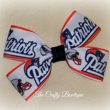 New England Patriots Small Boutique Hair Bow, Small Sports Clippie Bow, Baby Patriots Bow, Small NFL Bow, Sports Team Bow, Baby Headband Bow