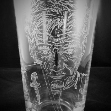 """Gordon Ramsay The """"F"""" Word Hand Engraved, Personalised Pint Glass"""