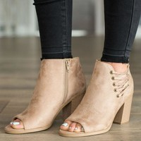 DCCKGE8 Right On Cue Peep Toe Heel