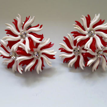 Big Bold Pinwheel Earrings 3 Red White Plastic Pinwheel Cluster Rhinestone Centers MidCentury Fashion Lightweight Clip Earrings 2 inches
