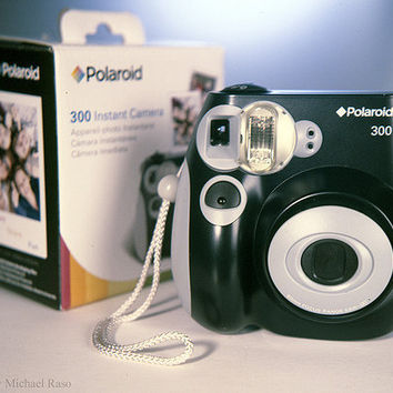 Polaroid 300 Instant Camera PIC-300L (OLD MODEL)