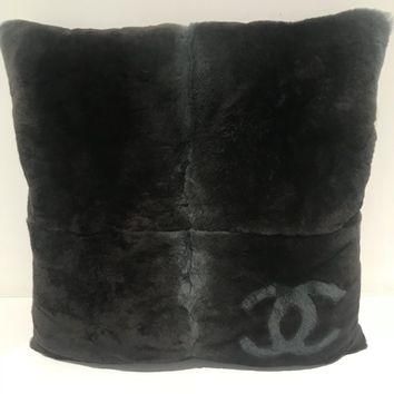 Chanel Fur Pillow 2017/18 Chanel Pillow