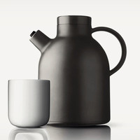 The Kettle Thermo Jug Keeps Your Coffee Hot For Hours