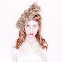 1940s Hat / VINTAGE / 40s Hat / Zebra Feathers / Sand / Felted Wool / Bow / WOW