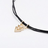 Geo Choker Necklace in Gold - Urban Outfitters