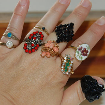 Vintage Lot of Rings, 9 Rings Gold Tone, Costume Jewelry