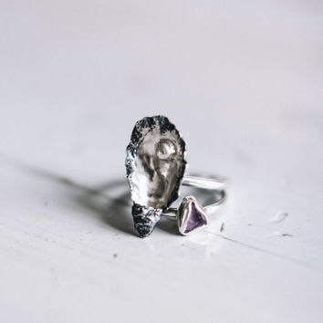 Oyster and rough amethyst rings, silver stacking rings, sterling silver jewelry, seashell jewelry, boho ring, summer jewelry, raw gemstone