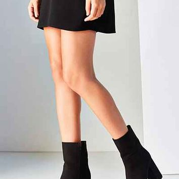 Michelle Platform Boot - Urban Outfitters