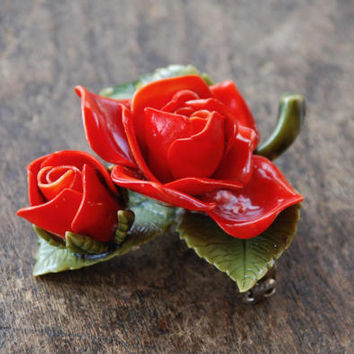 Vintage Rose Brooch Red Green Plastic Three Dimensional Corsage Mother's Day Wedding Graduation Retro 1940's // Vintage Costume Jewelry