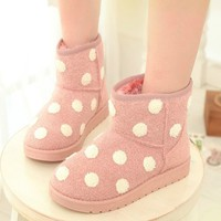 Cute Polka Dot Snow Boots. Four Colors Available from Moooh!!