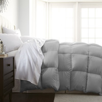 Full / Queen Size Down Alternative Comforter in Platinum Silver Grey Polyester